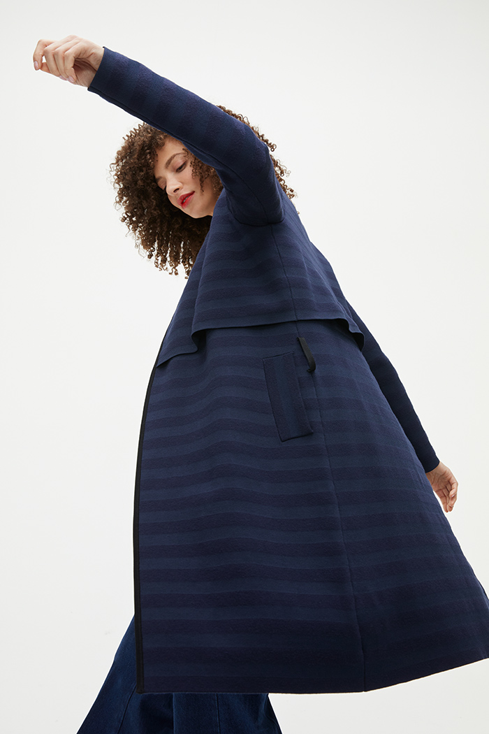 https://thefoldlondon.com/wp-content/uploads/2021/02/TheFold_Cherbury_Knitted_Coat_Navy_Stripe_DK059_2103_3_v2.jpg