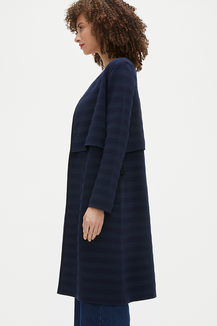 https://thefoldlondon.com/wp-content/uploads/2021/02/TheFold_Cherbury_Knitted_Coat_Navy_Stripe_DK059_2103_4_v2.jpg