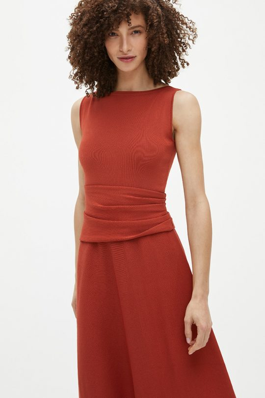 https://thefoldlondon.com/wp-content/uploads/2021/03/TheFold_Knitted_Sleeveless_Camelot_Dress_Rust_DD258_2104_1_v2.jpg