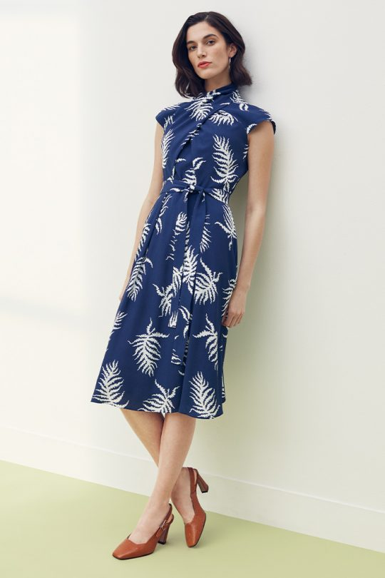 https://thefoldlondon.com/wp-content/uploads/2021/03/TheFold_Mirabello_Dress_Ink_Blue_And_Ivory_Fern_Print_Crepe_DD268_2104_2_v2.jpg