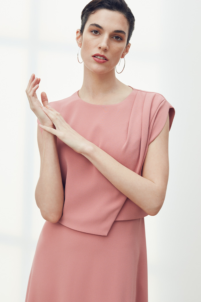 https://thefoldlondon.com/wp-content/uploads/2021/03/TheFold_Roseland_Dress_Rose_Pink_Clever_Crepe_DD253_2104_3_v2.jpg