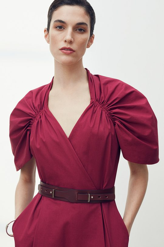 https://thefoldlondon.com/wp-content/uploads/2021/03/TheFold_Sanremo_Dress_Berry_Pink_Premium_Cotton_DD260_2104_1_v2.jpg