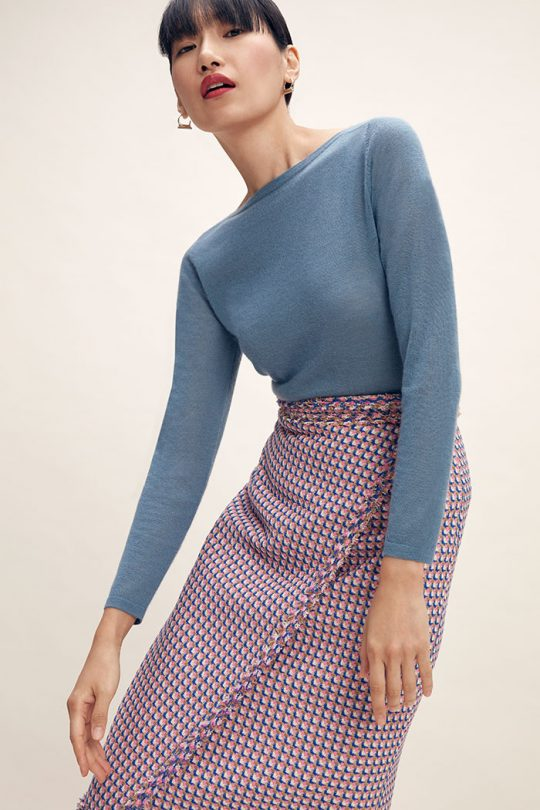 https://thefoldlondon.com/wp-content/uploads/2015/08/TheFold_Vinci_Knitted_Top_Lake_Blue_Cashmere_DK067_2102_1_v2.jpg