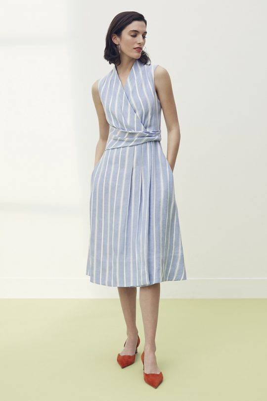 https://thefoldlondon.com/wp-content/uploads/2021/04/TheFold_Astell_Dress_Blue_Stripe_Linen_DD212_2105_2_v2.jpg