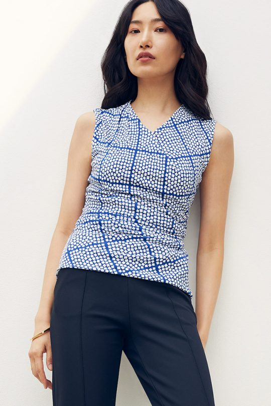 https://thefoldlondon.com/wp-content/uploads/2021/04/TheFold_Etienne_Sleeveless_Top_Blue_Check_Print_Jersey_DB153_2104_2_1_v2.jpg