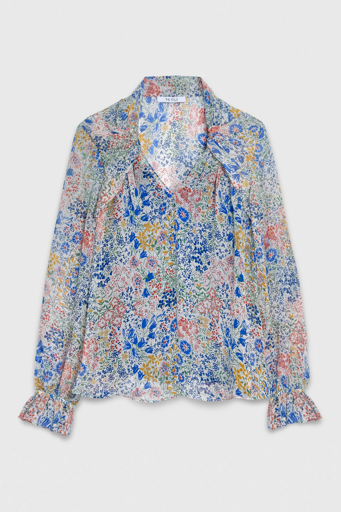 https://thefoldlondon.com/wp-content/uploads/2021/04/TheFold_Islington_Blouse_Multi_Meadow_Print_Silk_Chiffon_DB171_2104_2_1_v4.jpg