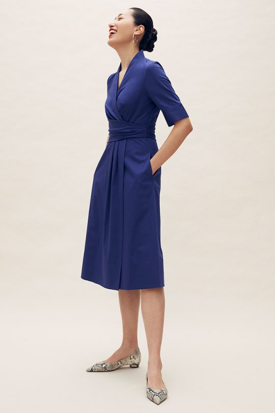 https://thefoldlondon.com/wp-content/uploads/2021/04/TheFold_Leigh_Dress_Indigo_Stretch_Cotton_DD210_2105_1_v2.jpg