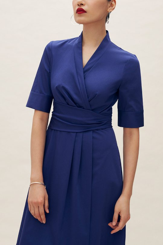 https://thefoldlondon.com/wp-content/uploads/2021/04/TheFold_Leigh_Dress_Indigo_Stretch_Cotton_DD210_2105_2_v2.jpg