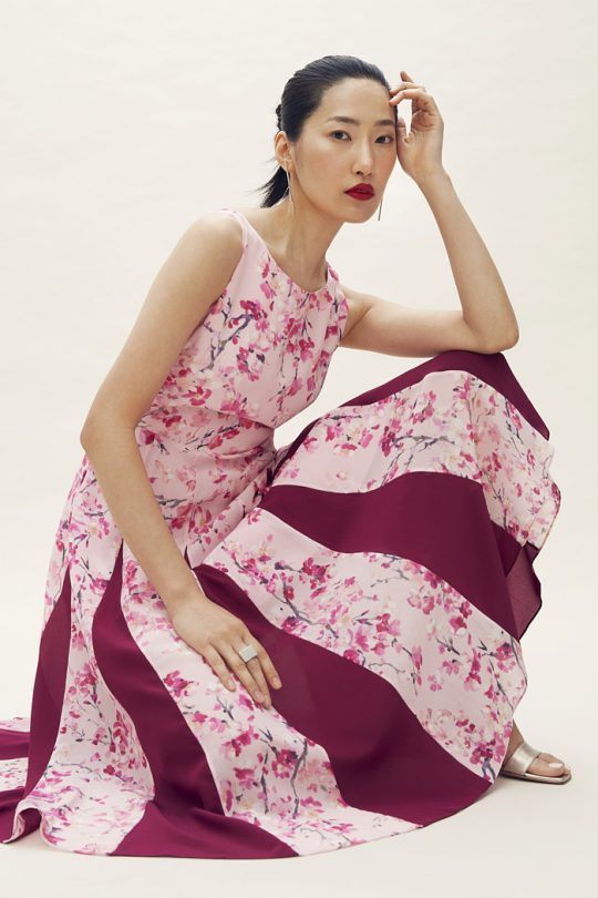https://thefoldlondon.com/wp-content/uploads/2021/04/TheFold_Sandbourne_Dress_Pink_Silk_Chiffon_DD201_2105_1_v2.jpg