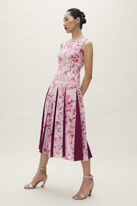 https://thefoldlondon.com/wp-content/uploads/2021/04/TheFold_Sandbourne_Dress_Pink_Silk_Chiffon_DD201_2105_2_v2.jpg