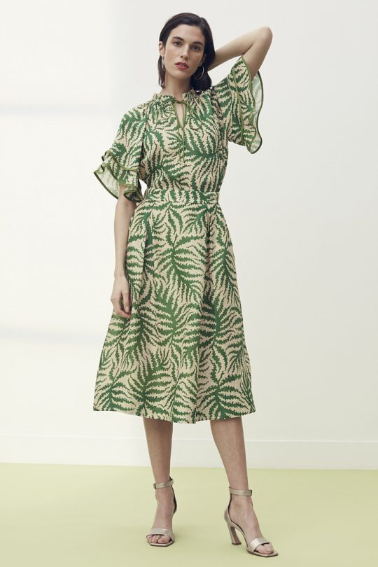 https://thefoldlondon.com/wp-content/uploads/2021/04/TheFold_Sithonia_Skirt_Natural_Fern_Print_Silk_Linen_DS057_2105_1_v2.jpg