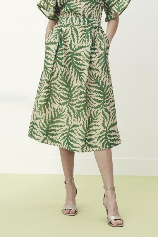 https://thefoldlondon.com/wp-content/uploads/2021/04/TheFold_Sithonia_Skirt_Natural_Fern_Print_Silk_Linen_DS057_2105_2_v2.jpg