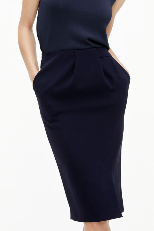 TheFold_Clever_Crepe_Pencil_Skirt_Navy_DS058_2108_4_v2