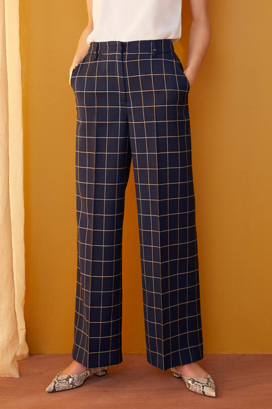TheFold_Astwood_Wide_Leg_Trousers_Navy_Check_Stretch_Wool_DT101_2109_3_v2-1.jpg