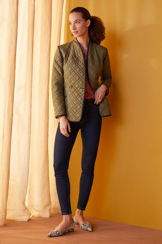 TheFold_Elstead_Reversible_Quilted_Jacket_Olive_Green_And_Navy_DO021_2108_3_v2.jpg