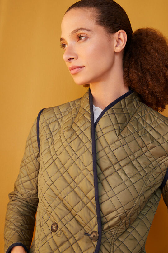 TheFold_Elstead_Reversible_Quilted_Jacket_Olive_Green_And_Navy_DO021_2108_4_v2.jpg