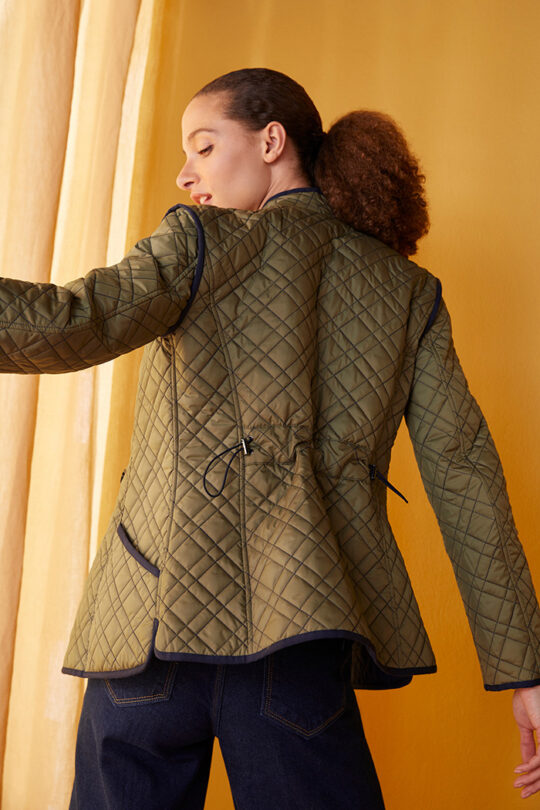 TheFold_Elstead_Reversible_Quilted_Jacket_Olive_Green_And_Navy_DO021_2108_5_v2.jpg