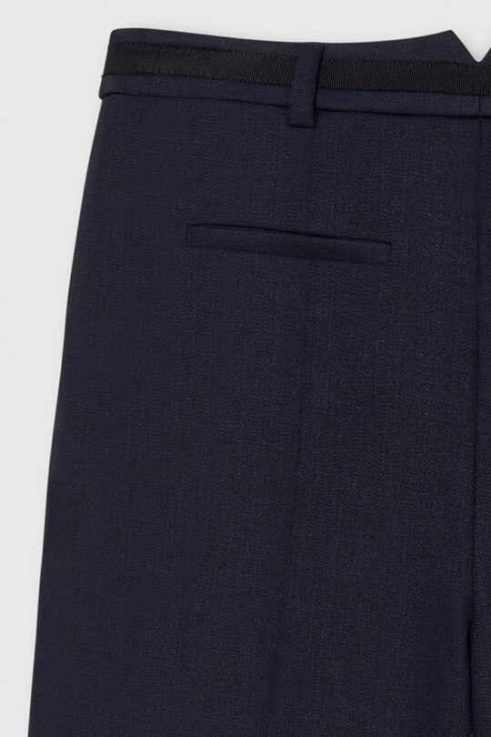 TheFold_Ultimate_Wool_Tapered_Trousers_Navy_DT040_2110_3_v4-1.jpg